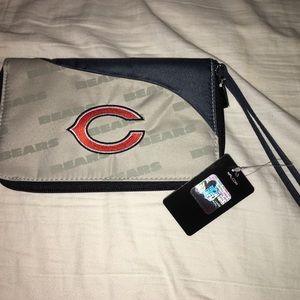 NWT Chicago Bears Wristlet Wallet